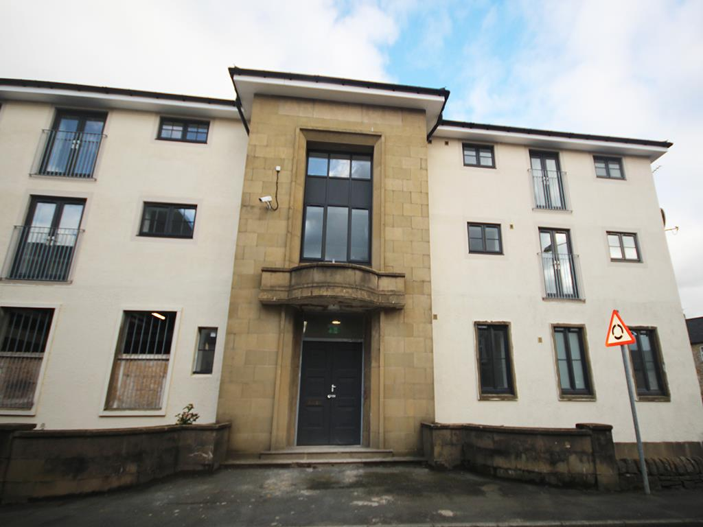 2 bedroom apartment To Let in Earby - IMG_5165.jpg